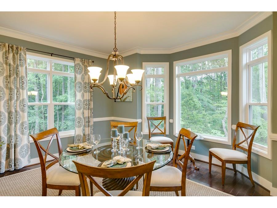 Chelsey Dining Room with Optional Bay Window