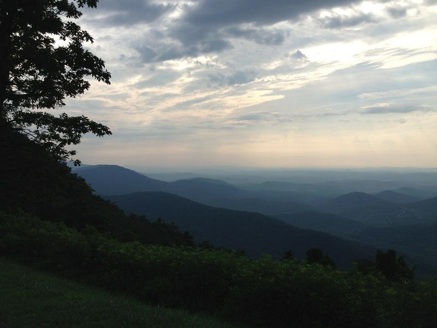 Get outdoors and enjoy Skyline Drive and The Shenandoah's - Pratts Run is the Perfect Location!